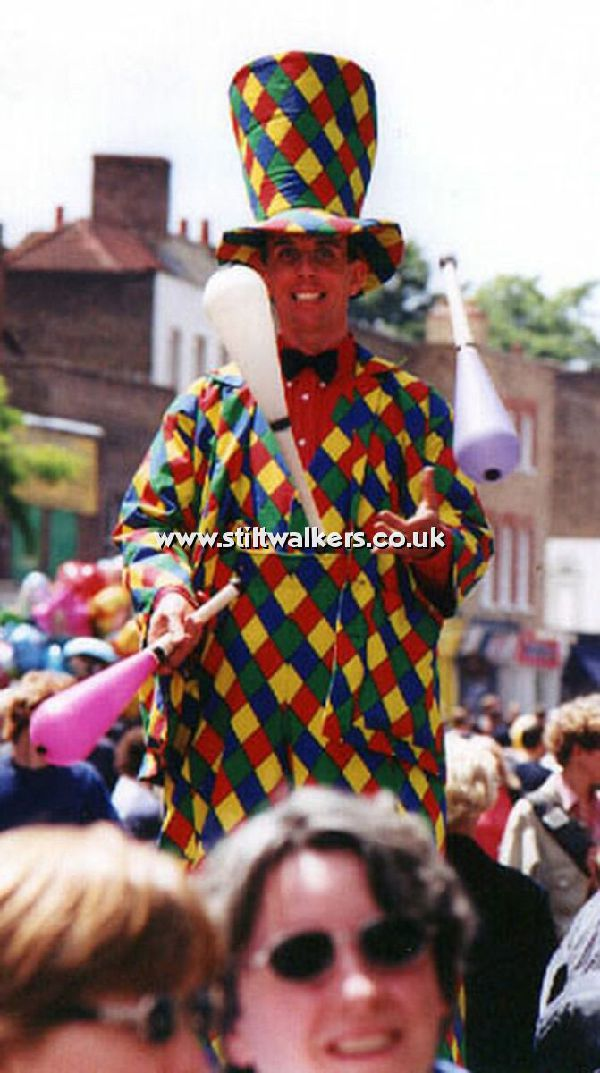 Juggling Stilt Walker